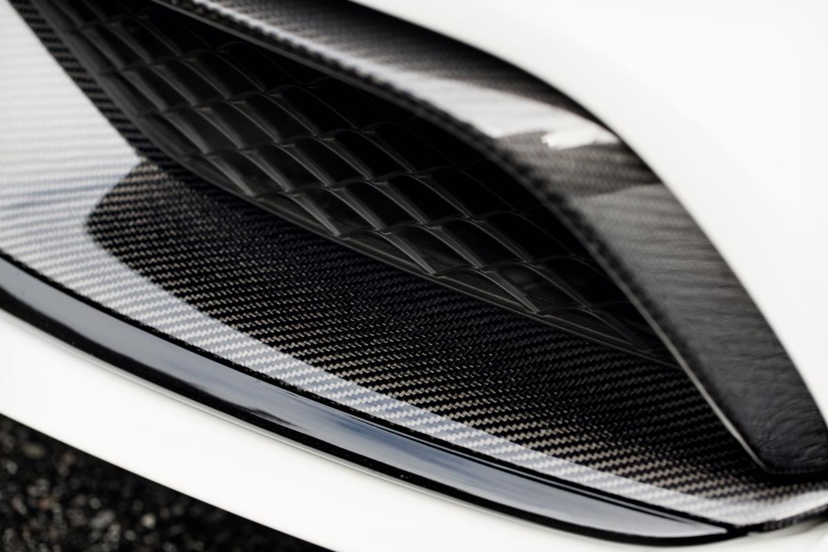 mode-carbon-c63-amg-front-trim-euro-lifeonwheels-performancessUrJOHmxYHOU